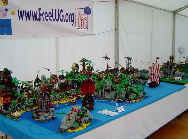 Exposition fana 39 briques 2014 freelug - Ile pirate lego ...